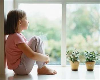 引发儿童精神分裂症的原因是什么